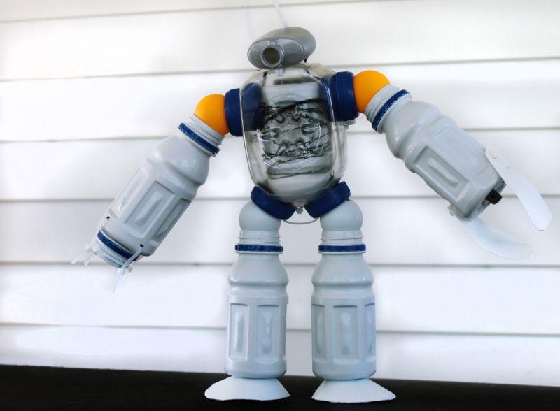 Mainan dari Botol Bekas - Robot