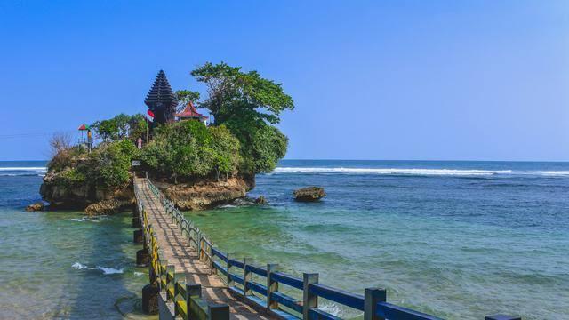 Pantai Balekambang - Wisata Alam di Malang